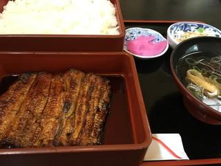 都屋本店 みやこやほんてん - 上うな重 2,754円。関東風の白焼きがしてありふわふわ食感です