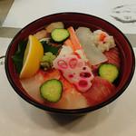 ほく泉 大さこ - 料理写真:  具沢山な  海鮮丼   7種