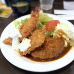 洋食屋グリルCoCCo - Cセット(海老フライ、魚フライ、ハンバーグ)