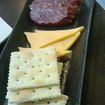 とりとん - チーズサラミ