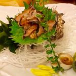 魚盛 - サザエ刺
