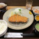 56032618 - 201609 「芋豚とんかつ定食ランチサイズ」(1000円)
