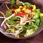 台湾料理故宮 - サラダ