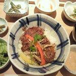 Ennagoya - 牛リブロースのステーキ丼
