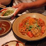 相州鳥ぎん - ほうれん草サラダ。レンコンのパリパリがベストマッチ☆