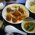 チャイナダイニング煌 - 本日の日替りランチ(肉団子の甘酢あんかけとニラ玉)
