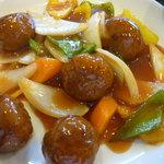 チャイナダイニング煌 - 肉団子の甘酢あんかけアップ