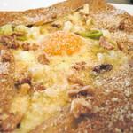 ガレット - 山の恵みガレット。くるみ・キャベツのクリーム煮・卵・チーズのとピング。ほぼ毎回注文しているお気に入りのガレットです。