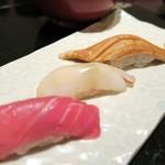 56051506 - 本鮪・シロイカ・穴子の握り寿司