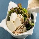 自家製ドレッシングの豆腐サラダ