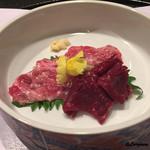 お料理 七草 - 鯨の赤肉と超稀少な鹿の子の造り