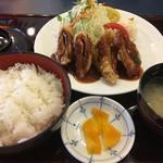 まんぷく家族 - 料理写真:チーズひれかつランチ(税込950円、2016年9月)
