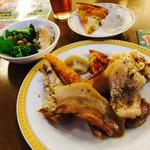 東京ベイ有明ワシントンホテル - 2016/9/11 ディナーで利用 ちょっと肉肉しいかな( ̄▽ ̄)笑 牛ステーキ、ポークステーキ、チキンステーキ、水餃子、ガーリックライス… ポークステーキが好みの味!