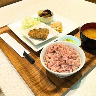 おかず家 バイ リンガーハット 南砂町ショッピングセンターSUNAMO店 - 2016 3種のおかずとご飯