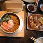 相州鳥ぎん - 料理写真:五目釜飯とシロ