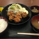 甲南パーキングエリア(上り線)スナックコーナー - から揚げ定食 ¥700- (2016.9.12)