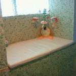 おこのみかふぇMoCo - トイレ入り口にオムツ交換台を設置しました!