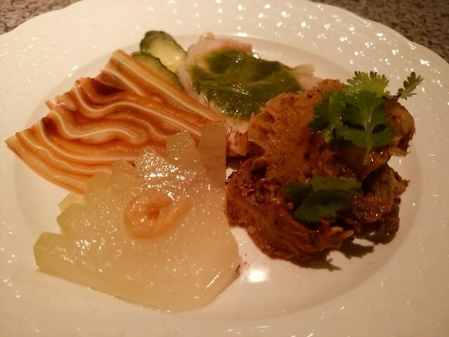中国四川料理 梅香 - 豚耳、牛スネと蜂の巣、冬瓜、蒸し鶏