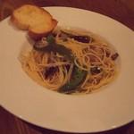 Cafe&Restaurant Gru - 秋刀魚と万願寺唐辛子のスパゲティ