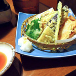 海鮮問屋 北の商店 - 野菜の天ぷら盛り合わせ