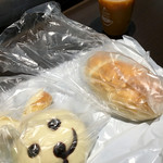 パン工場 - 料理写真:うさちゃんと塩パン(2016.09現在)