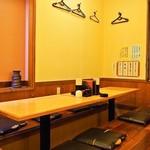 鳥樹 - 店内(2Fテーブル席)