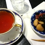 56079310 - 豆家 茜 蘇比(紅茶と煮豆のセット) fromグリーンロール