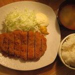 憩 - 国産豚ロースカツ定食500円