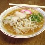 わかさ食堂 - 料理写真:醤油ラーメン 400円