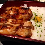 56081053 - とろろと鶏の照りが食欲をそそる!