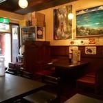 56081066 - 喫茶店と居酒屋の間の子な雰囲気!