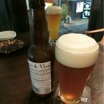 Beer Garage Ganesha - 生ビールはミッケルズ ドリーム(1400円)とブアー&ブラム(1200円)で乾杯〜( ^ ^ )/□ ミッケルズ ドリームは結構苦味がある☆彡 ブアー&ブラムはフルーティな味わい♪