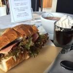 ロバーツコーヒー - サンドイッチ!セットあります。