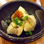 満マル - 秋鮭の白子ポン酢(390円)。