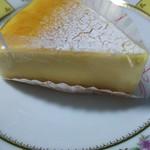 スイーツ アトリエ エル - チーズケーキ¥360