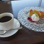 56095939 - [料理] Cake Set¥1,000 セット全景♪w