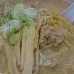 麺屋 いっ徳 - 味噌ホルモンラーメン☆ ホルモン やわらかーい⤴ウマーイ⤴