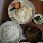 かすみ食堂 - ご飯をつけて950円