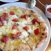 ツィオ ビットーリオ - 料理写真:アンチョビとフレッシュトマトのピッツア