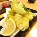 きせつ屋 ひだまり - アボガドとチーズの天ぷら