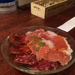 福島バル COVOT - 1609 COVOT 生ハム盛合せ(ハモンセラーノとイベリコ豚のサラミとチョリソー)