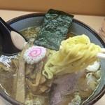 いつみ屋 - 【2016.9】程よい縮れ麵