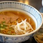 中国料理 富美 - 料理写真:私がいただいたのは、ラーメンセットのAセット、鶏ガラ醤油のオーソドックスな中華そばです
