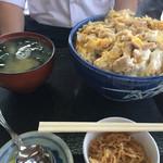なかみち食堂 - 親子丼普通