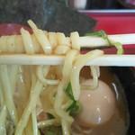 熊田家 - 味噌チャーシューメン 麺