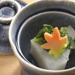 錦輝茶寮 - 料理写真:毎月変わる季節の献立