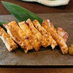 新鮮な魚介類と地酒専門店 おやじの隠れ家 魚武 - こがね鶏炭火焼