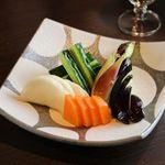 新鮮な魚介類と地酒専門店 おやじの隠れ家 魚武 - 漬物