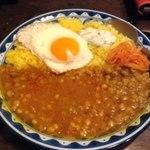 古本カフェ 甘露 - スパイスの効いた豆カレー 2013/02/09/