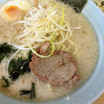 ラーメン青木亭 - ラーメン小醤油背脂多め+ネギ丼